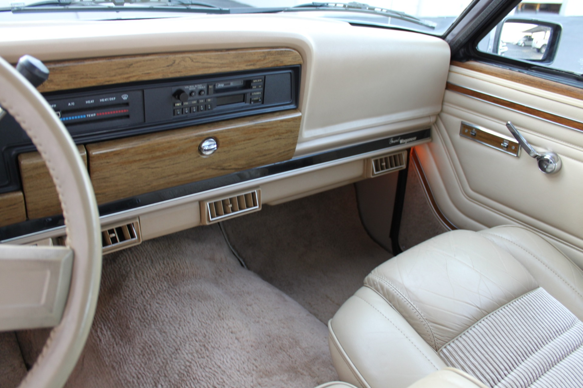 Used-1990-Jeep-Grand-Wagoneer-4X4-Ford