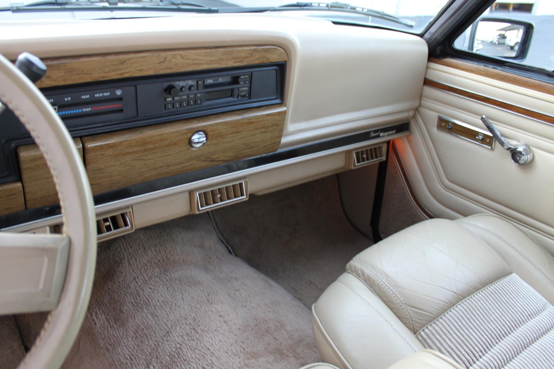 Used-1990-Jeep-Grand-Wagoneer-4X4-Ford