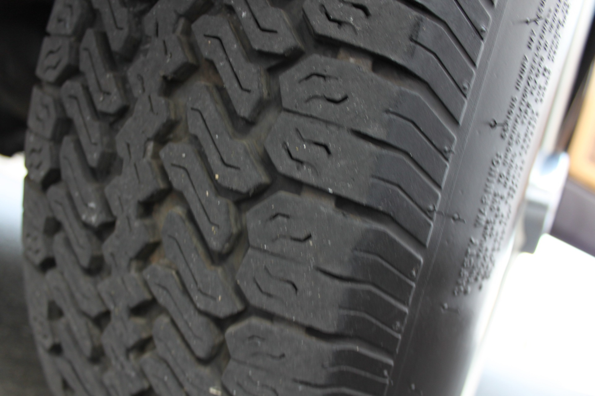 Used-1990-Jeep-Grand-Wagoneer-4X4-Grand-Cherokee