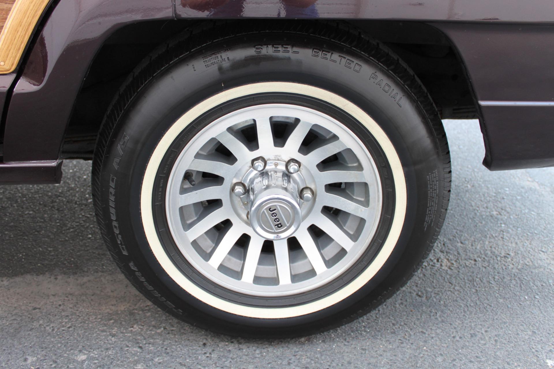 Used-1990-Jeep-Grand-Wagoneer-4X4-Acura