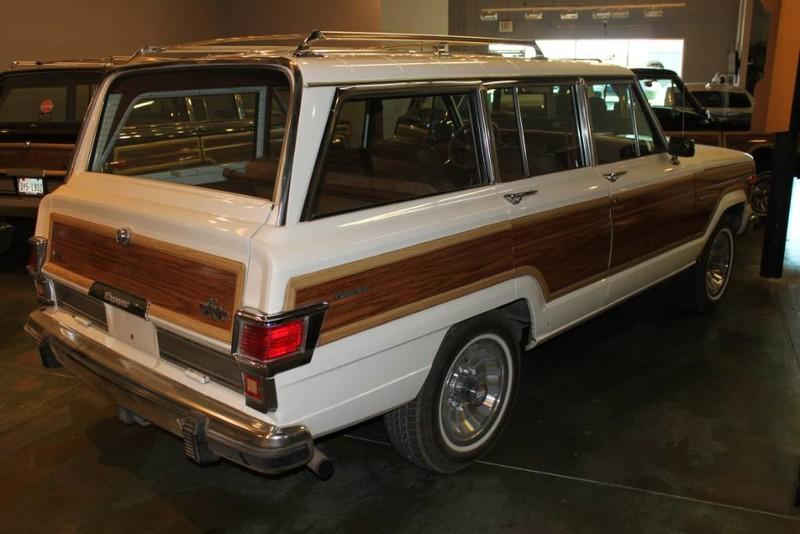 Used-1983-Jeep-Wagoneer-4WD-Limited-BMW