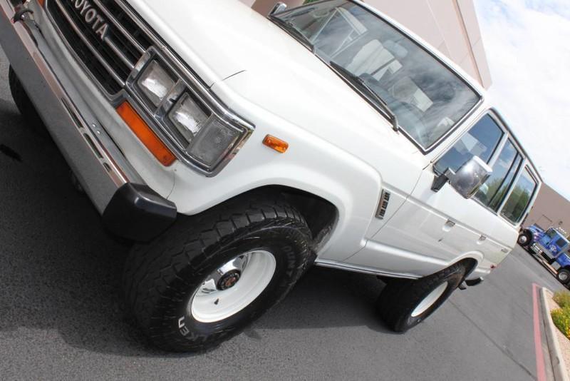 Used-1988-Toyota-Land-Cruiser-4X4-Cherokee