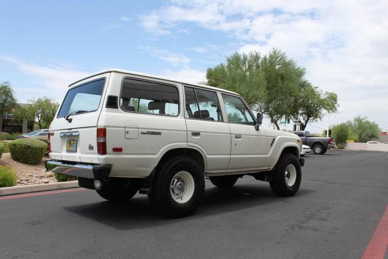 Used-1988-Toyota-Land-Cruiser-4X4-Chalenger