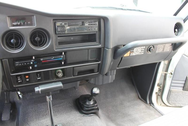 Used-1988-Toyota-Land-Cruiser-4X4-LS400