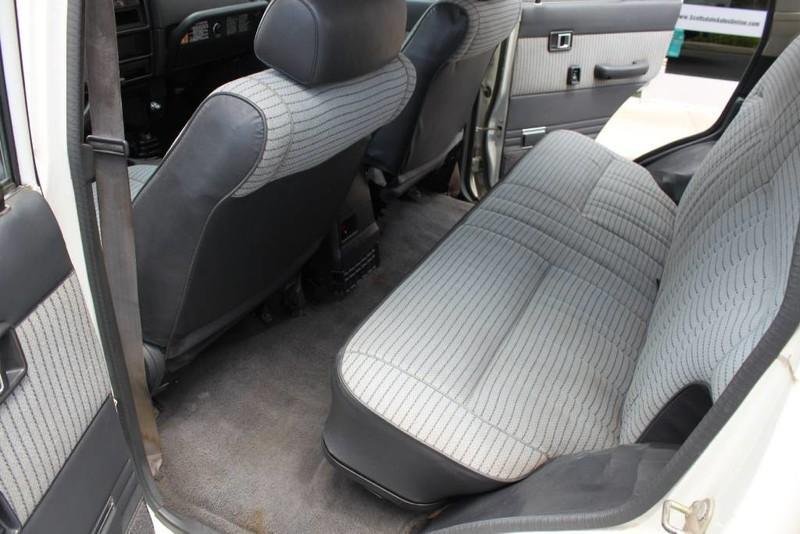 Used-1988-Toyota-Land-Cruiser-4X4-Toyota