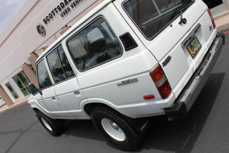 Used-1988-Toyota-Land-Cruiser-4X4-Service-shop-Libertyville