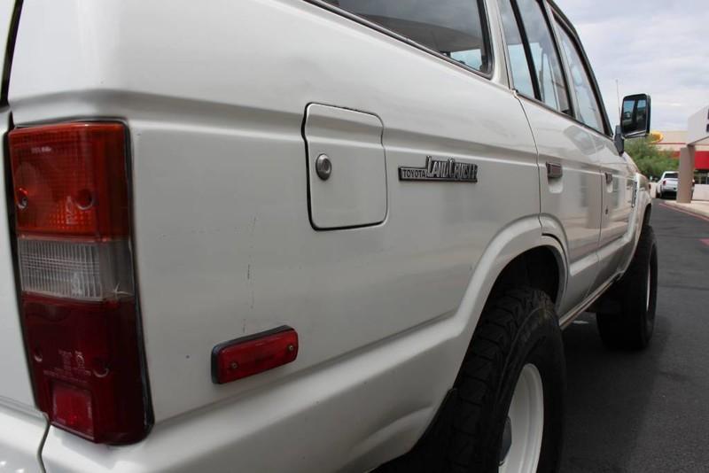 Used-1988-Toyota-Land-Cruiser-4X4-Porsche
