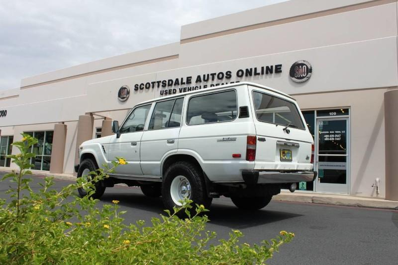 Used-1988-Toyota-Land-Cruiser-4X4-Collector
