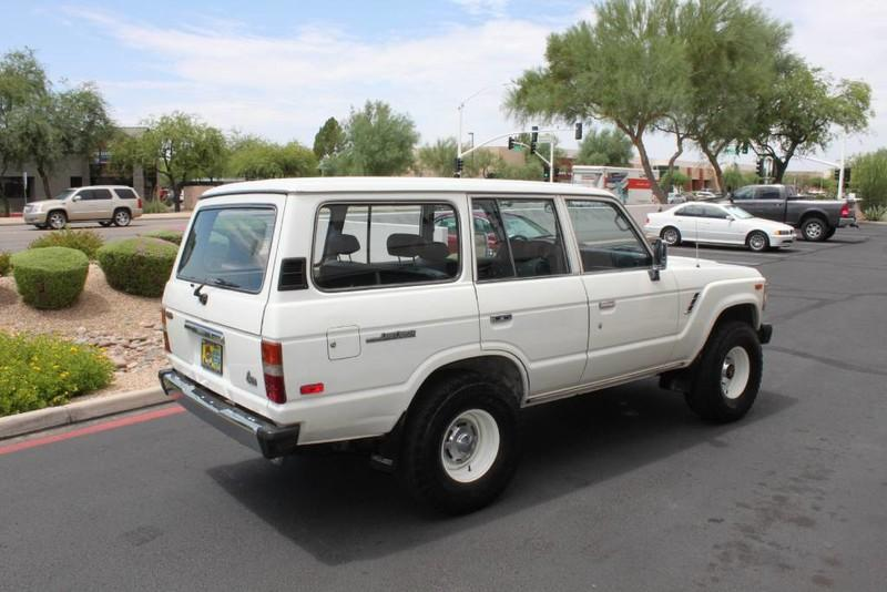 Used-1988-Toyota-Land-Cruiser-4X4-New-use-car-dealer-IL