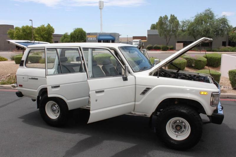 Used-1988-Toyota-Land-Cruiser-4X4-BMW