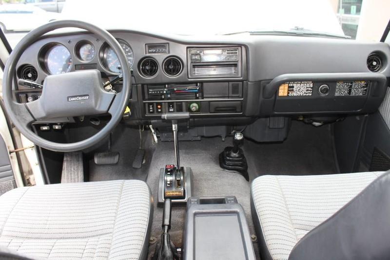 Used-1988-Toyota-Land-Cruiser-4X4-vintage