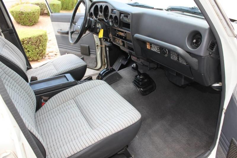Used-1988-Toyota-Land-Cruiser-4X4-Chrysler