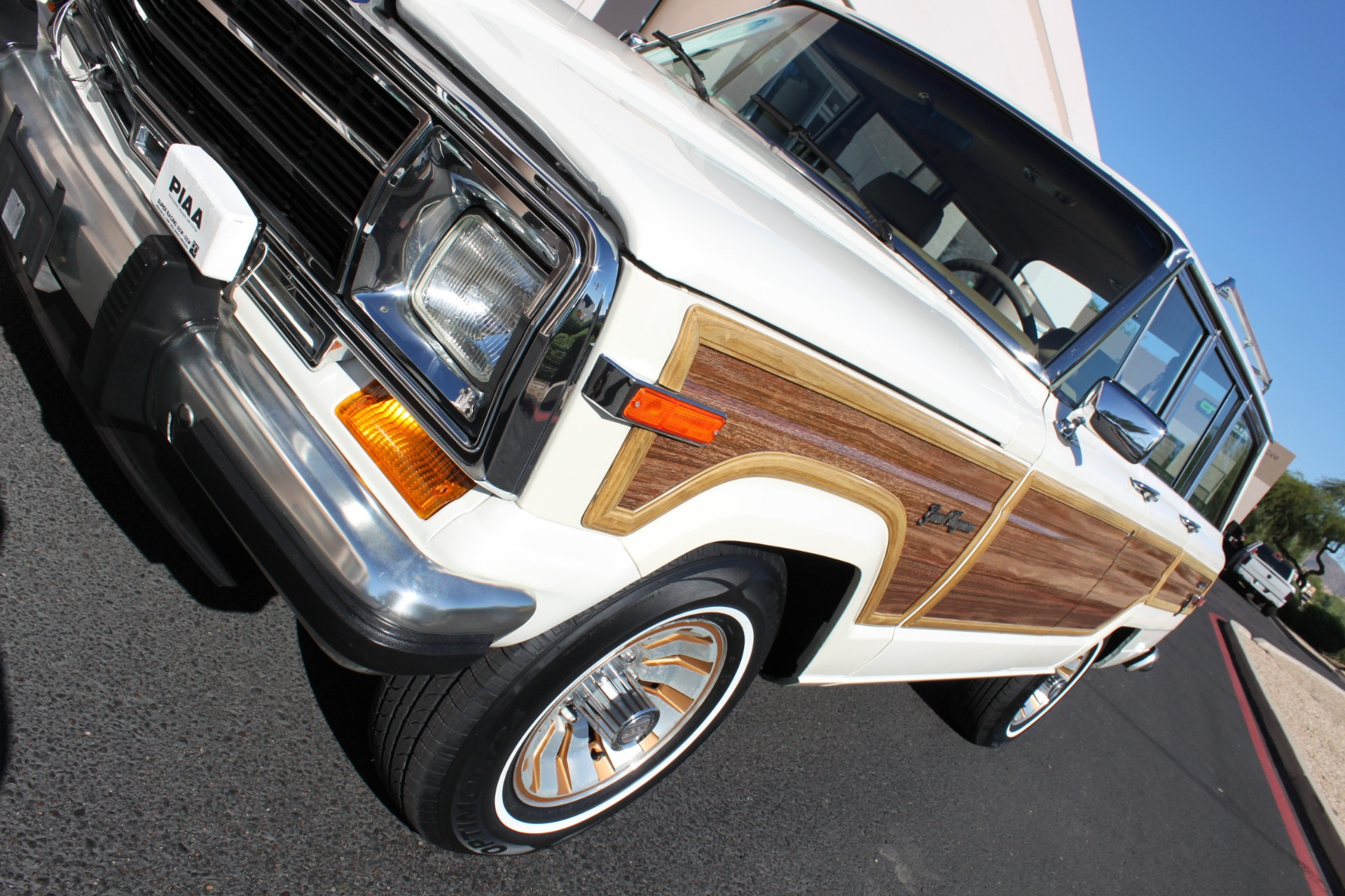 Used-1987-Jeep-Grand-Wagoneer-Cherokee