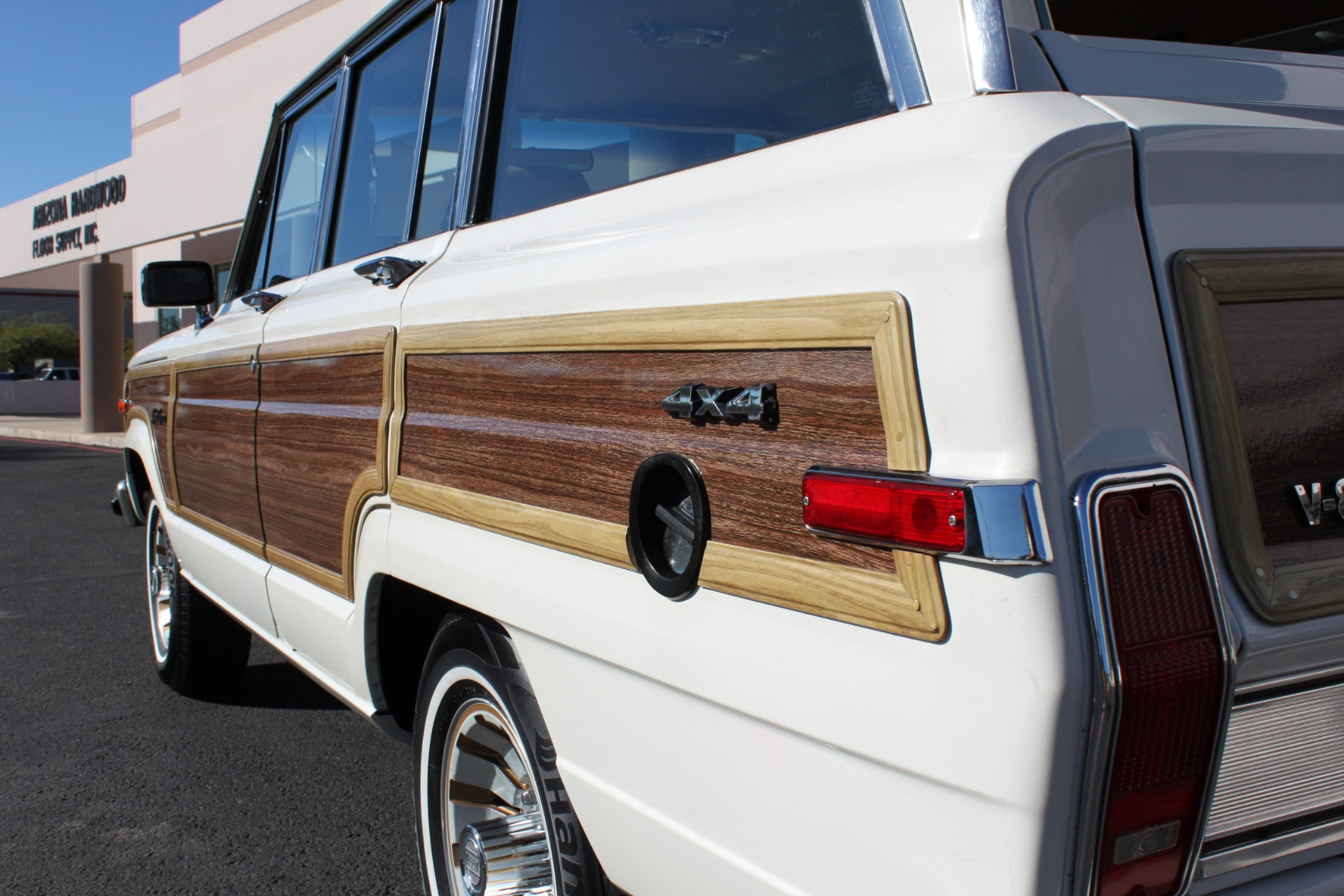 Used-1987-Jeep-Grand-Wagoneer-Camaro