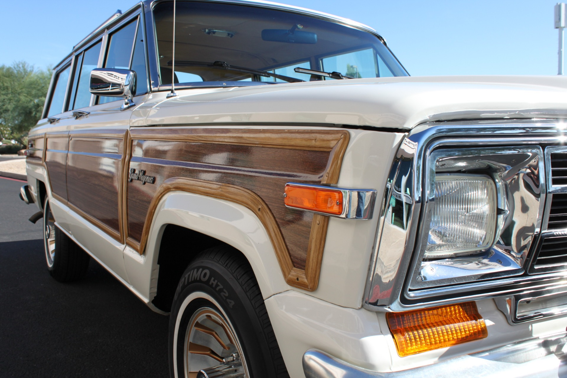 Used-1987-Jeep-Grand-Wagoneer-Chalenger