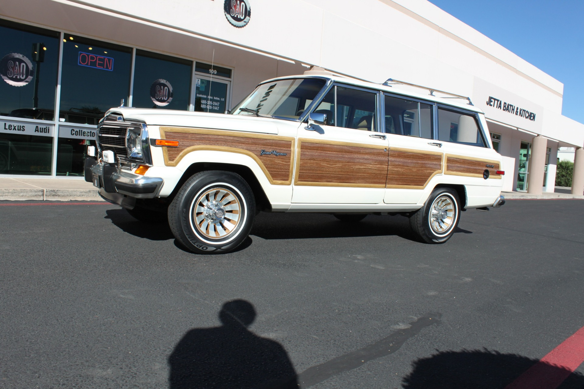 Used-1987-Jeep-Grand-Wagoneer-Alfa-Romeo