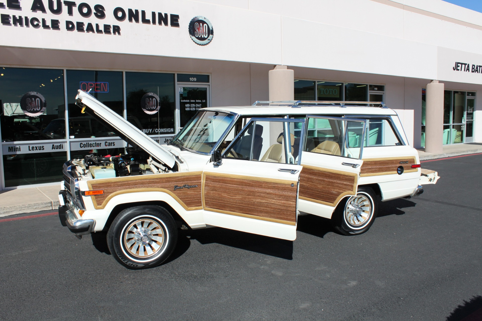 Used-1987-Jeep-Grand-Wagoneer-Mini