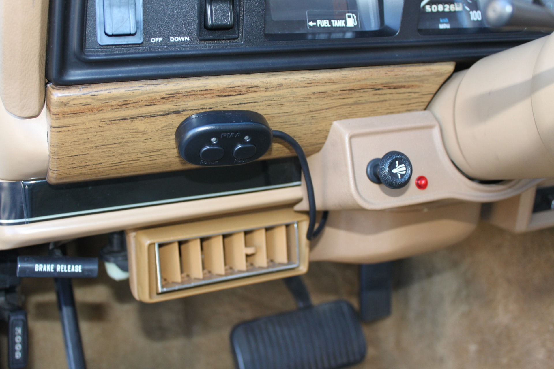 Used-1987-Jeep-Grand-Wagoneer-vintage