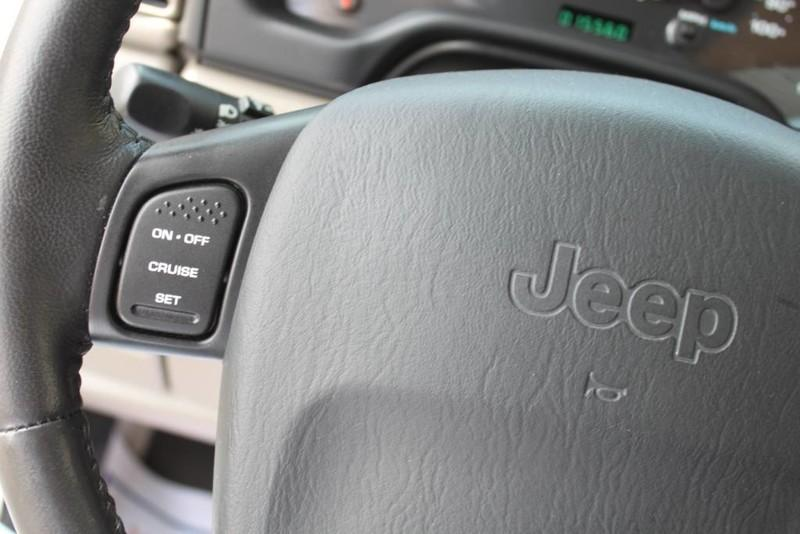 Used-2004-Jeep-Wrangler-X-4X4-Hard-Top-40-Liter-Inline-6-Cyl-Chalenger