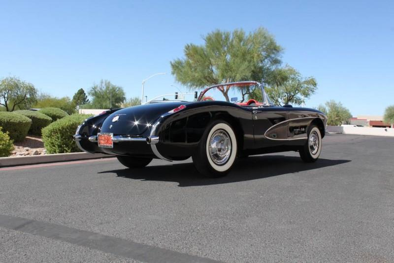 Used-1957-Chevrolet-Corvette-Roadster-283-CI-/-283-HP-Fuel-Injection-Collector