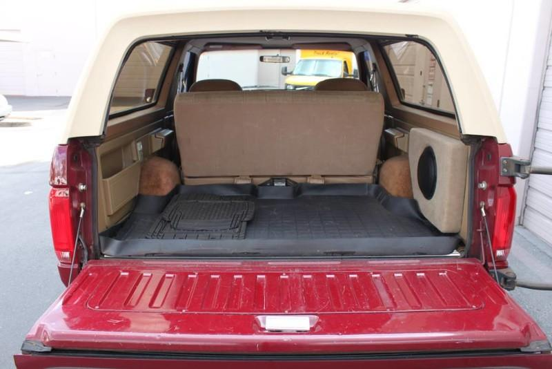 Used-1990-Ford-Bronco-XLT-Mini