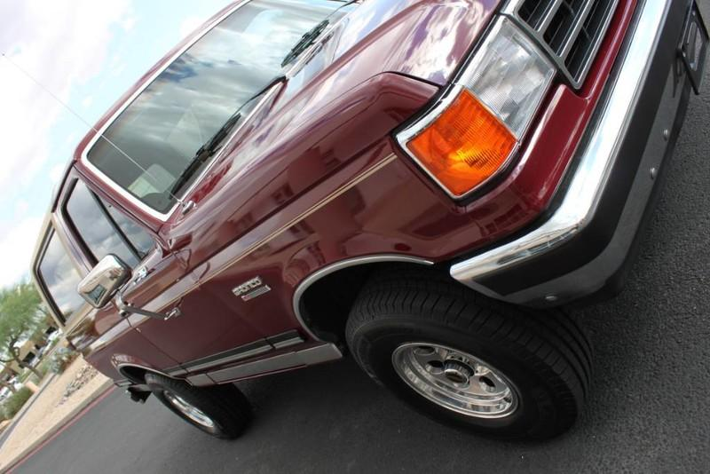Used-1990-Ford-Bronco-XLT-4X4-XJ