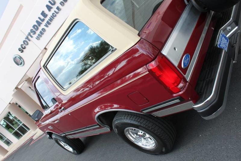 Used-1990-Ford-Bronco-XLT-Ferrari