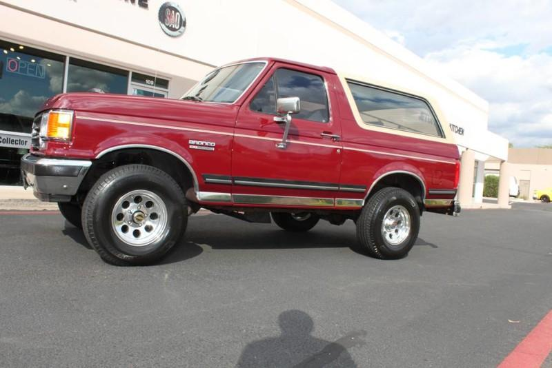 Used-1990-Ford-Bronco-XLT-4X4-Tesla