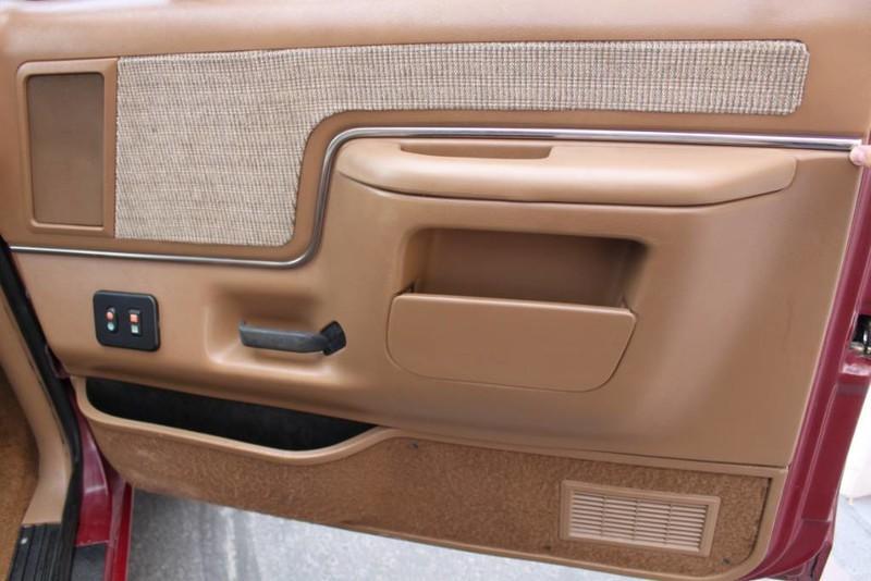 Used-1990-Ford-Bronco-XLT-Wrangler