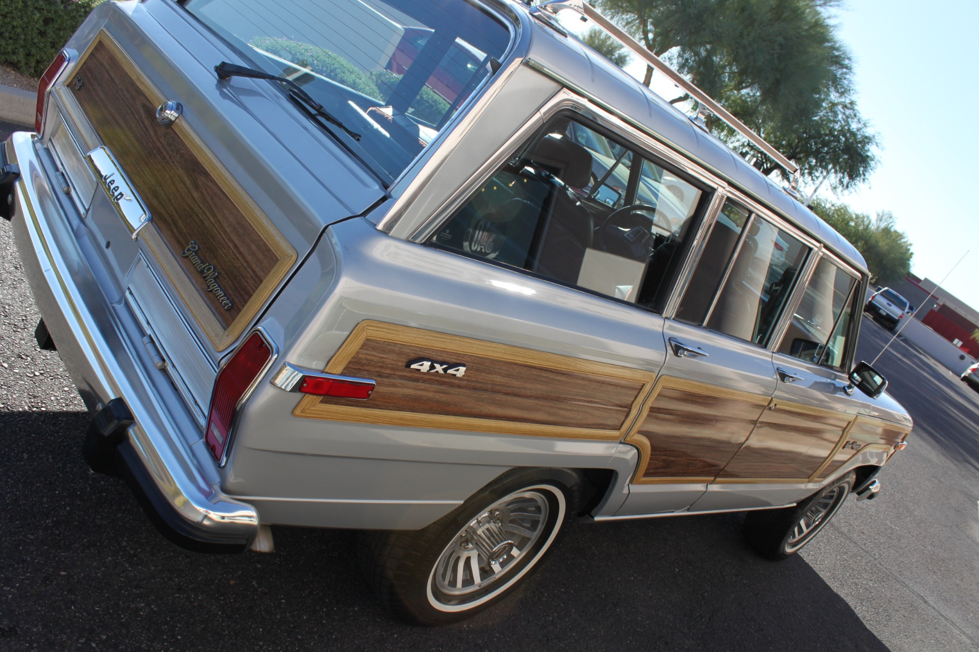 Used-1989-Jeep-Grand-Wagoneer-Acura