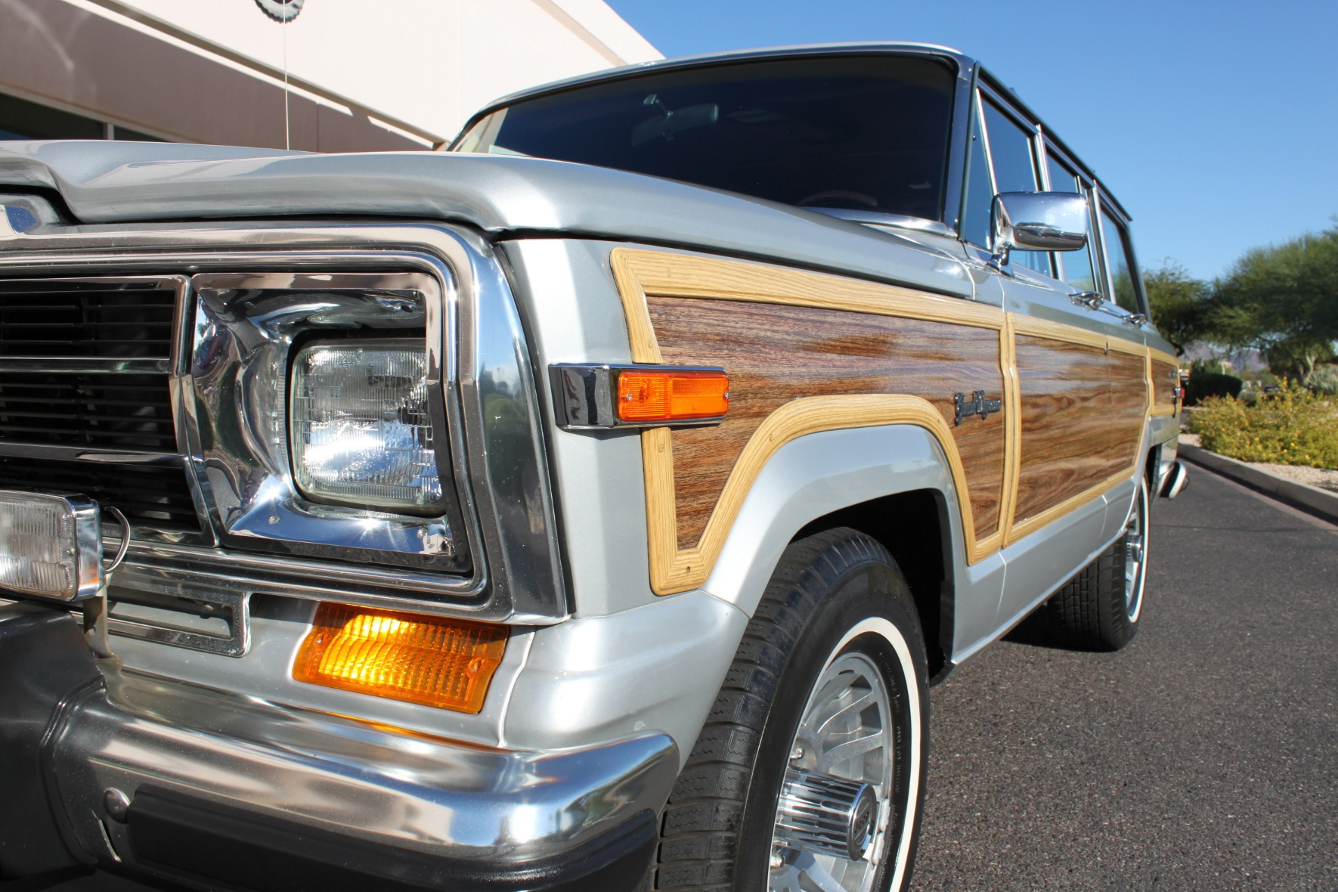 Used-1989-Jeep-Grand-Wagoneer-Camaro