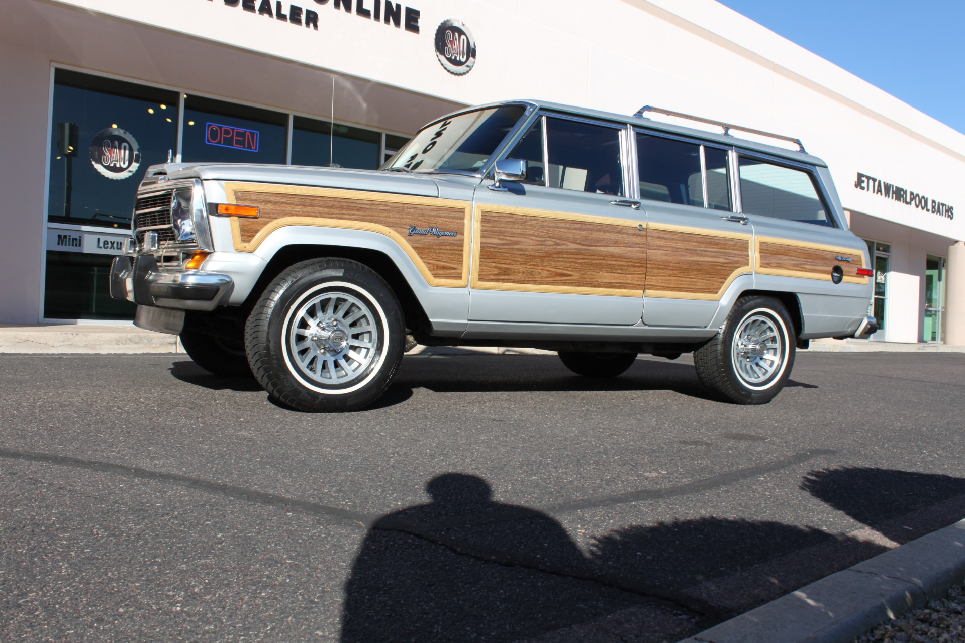 Used-1989-Jeep-Grand-Wagoneer-Alfa-Romeo