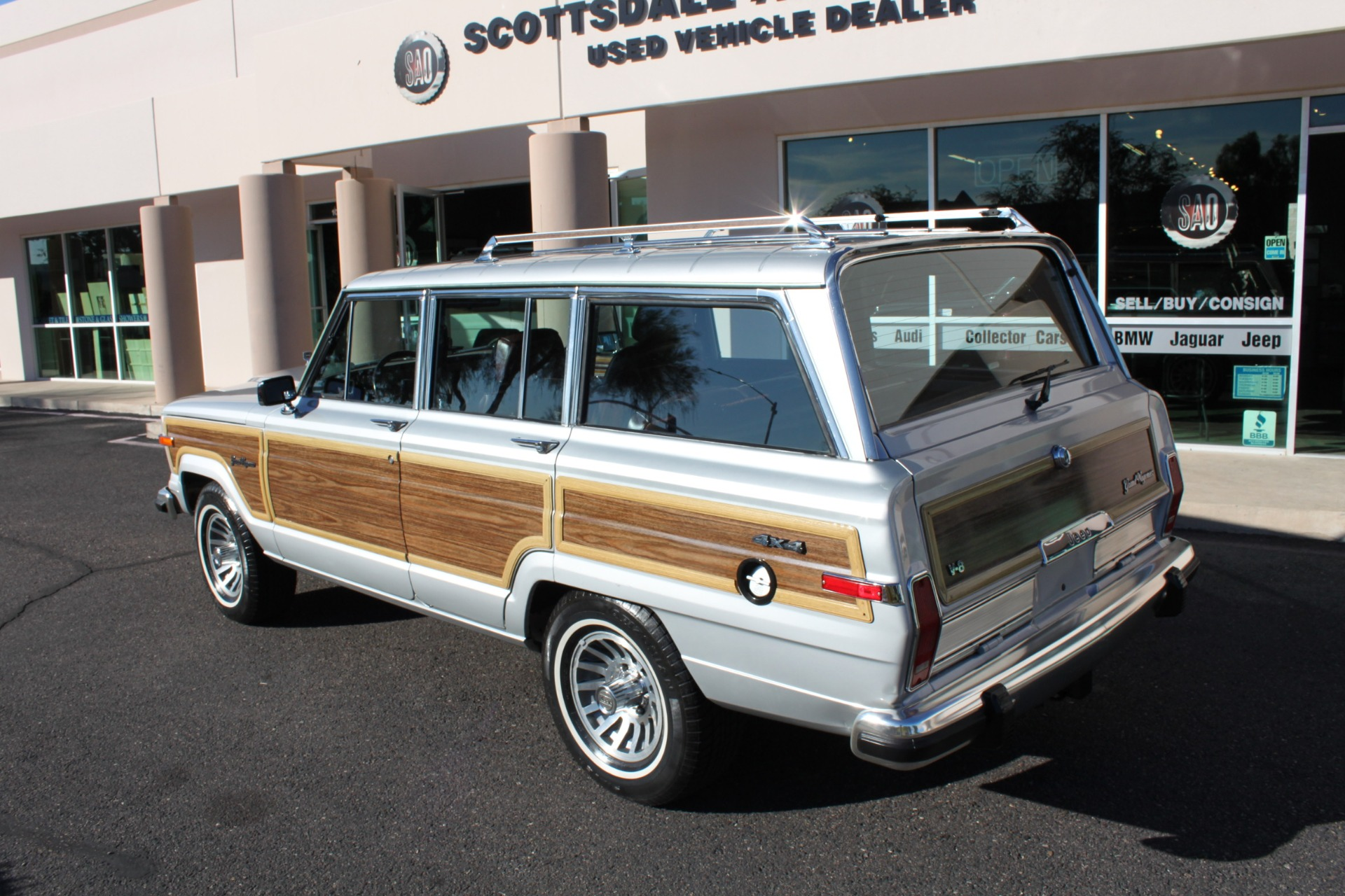 Used-1989-Jeep-Grand-Wagoneer-Mini