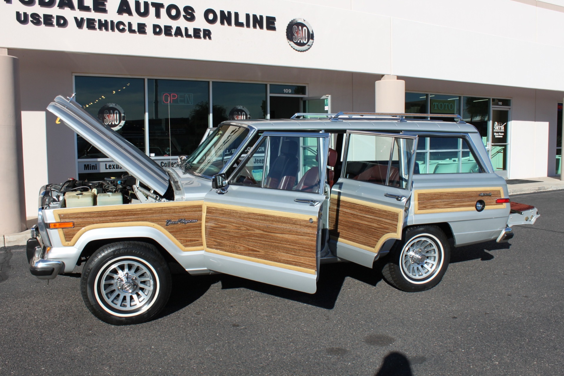 Used-1989-Jeep-Grand-Wagoneer-Honda