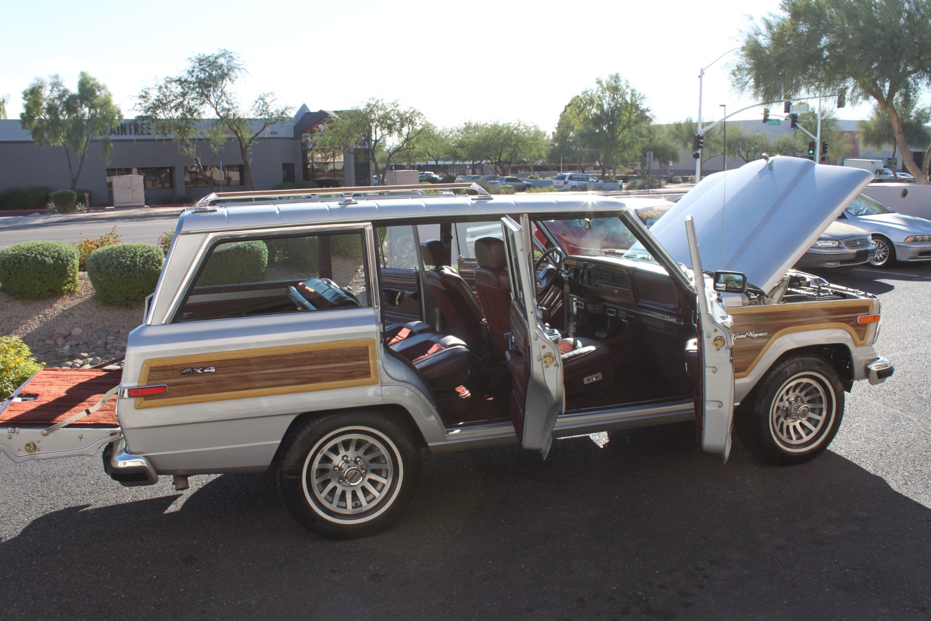 Used-1989-Jeep-Grand-Wagoneer-Ferrari
