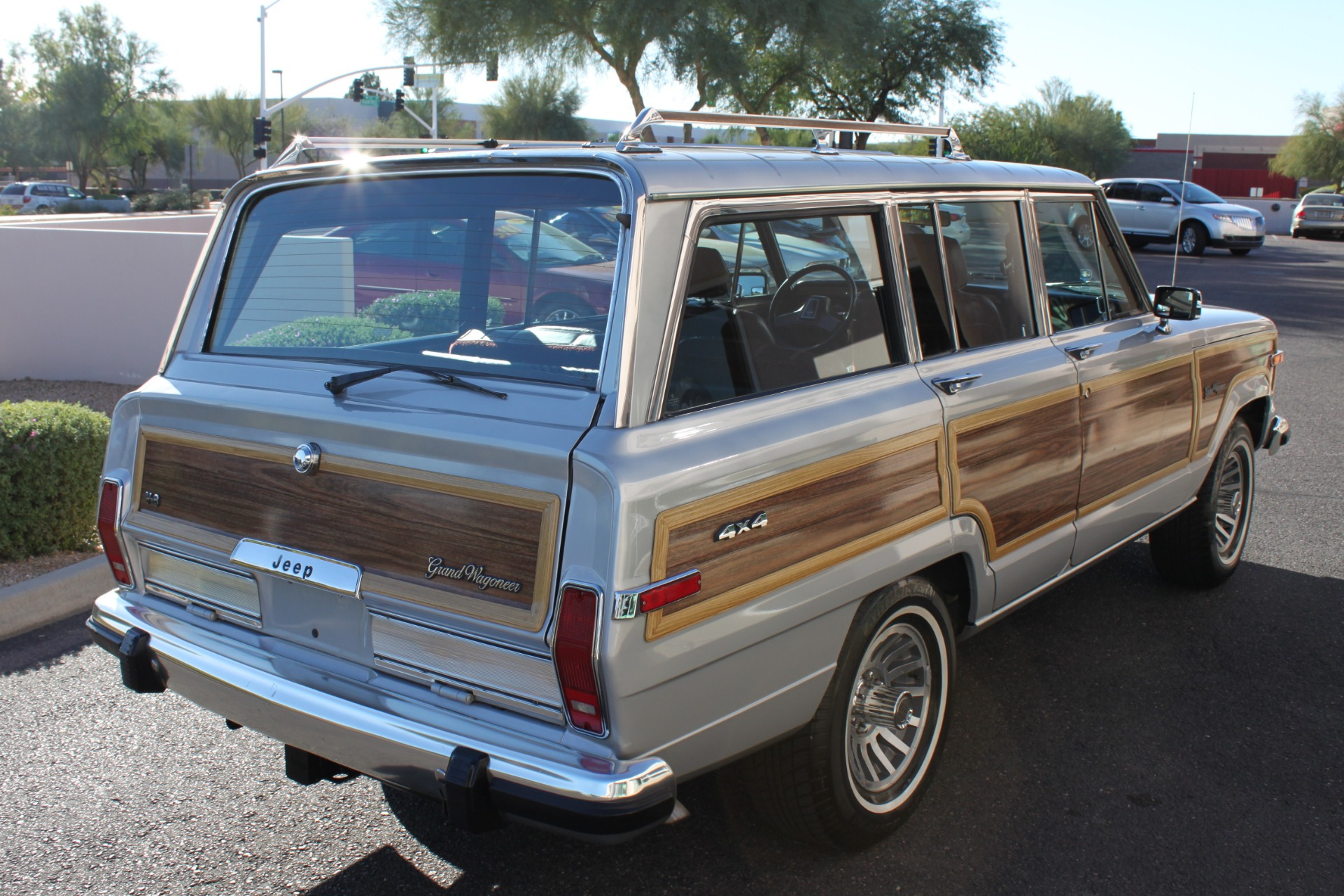 Used-1989-Jeep-Grand-Wagoneer-Classic