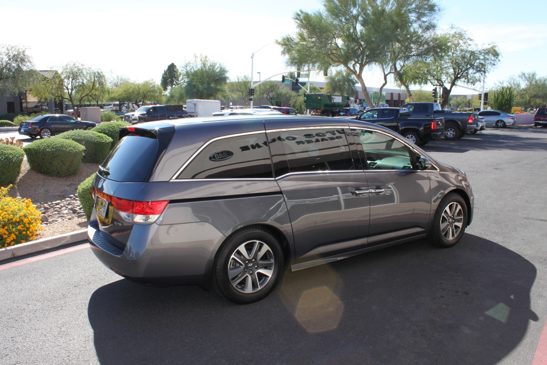 Used-2016-Honda-Odyssey-Touring-Elite-LS400