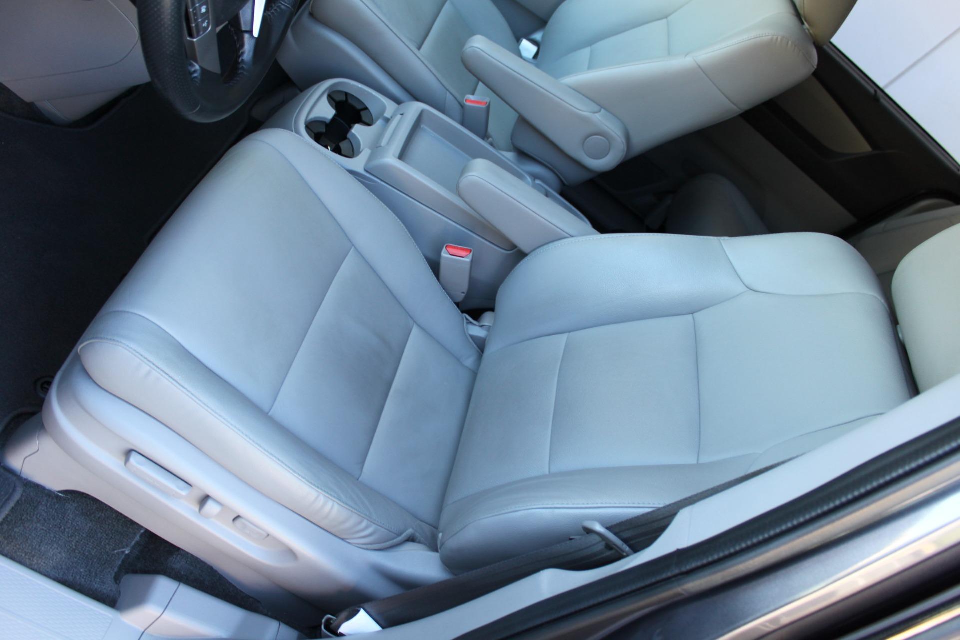 Used-2016-Honda-Odyssey-Touring-Elite-Ferrari