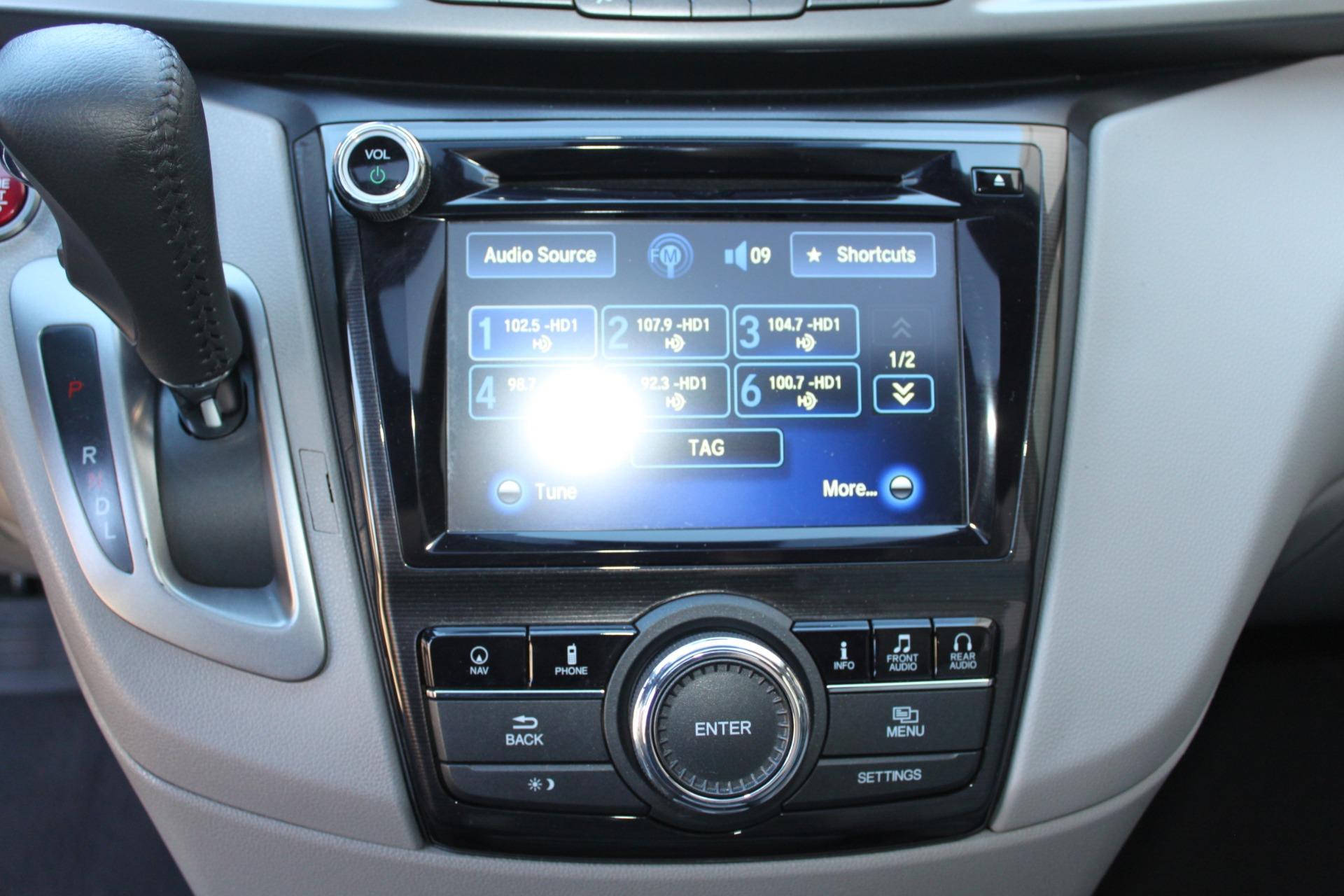 Used-2016-Honda-Odyssey-Touring-Elite-Wagoneer