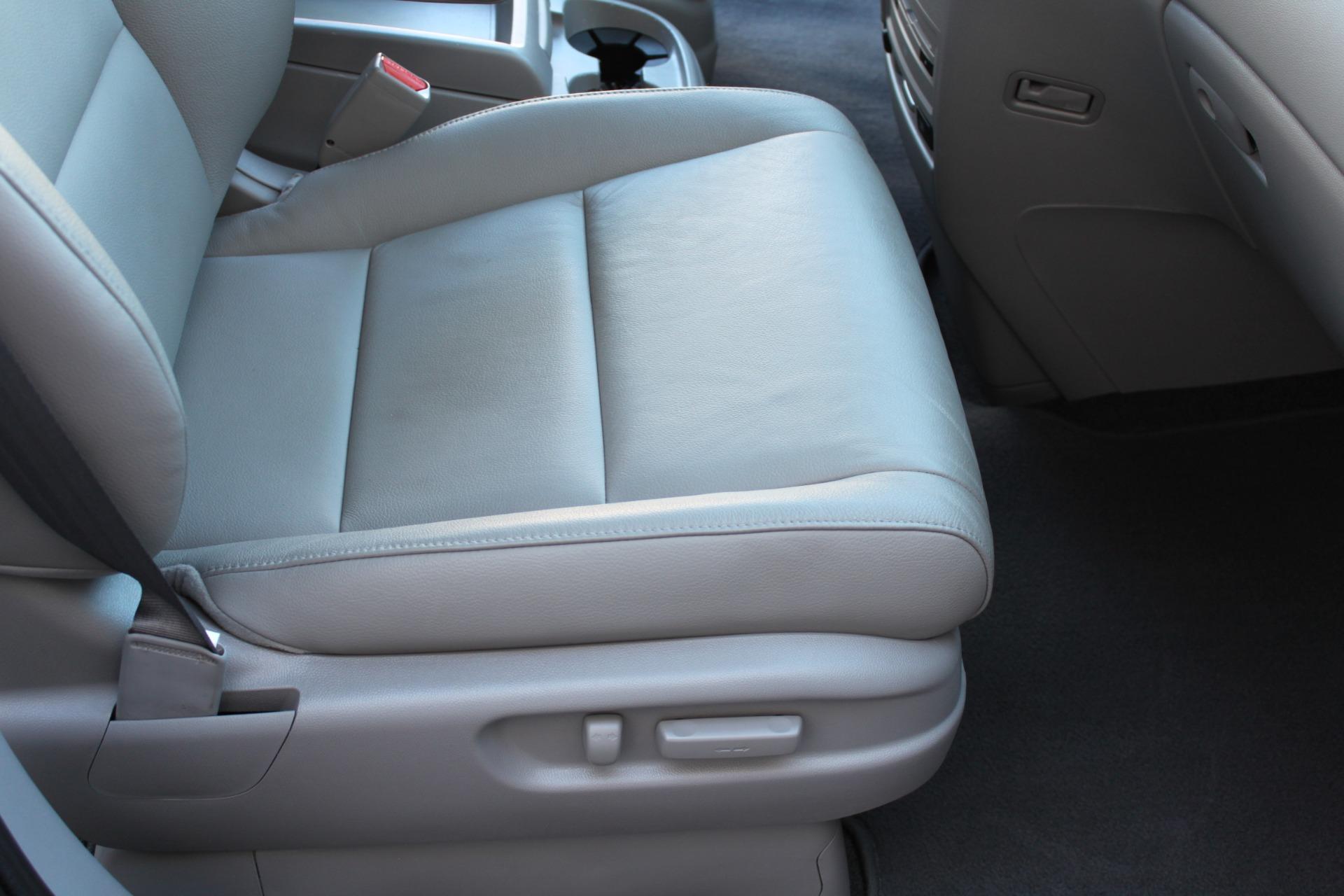Used-2016-Honda-Odyssey-Touring-Elite-Audi