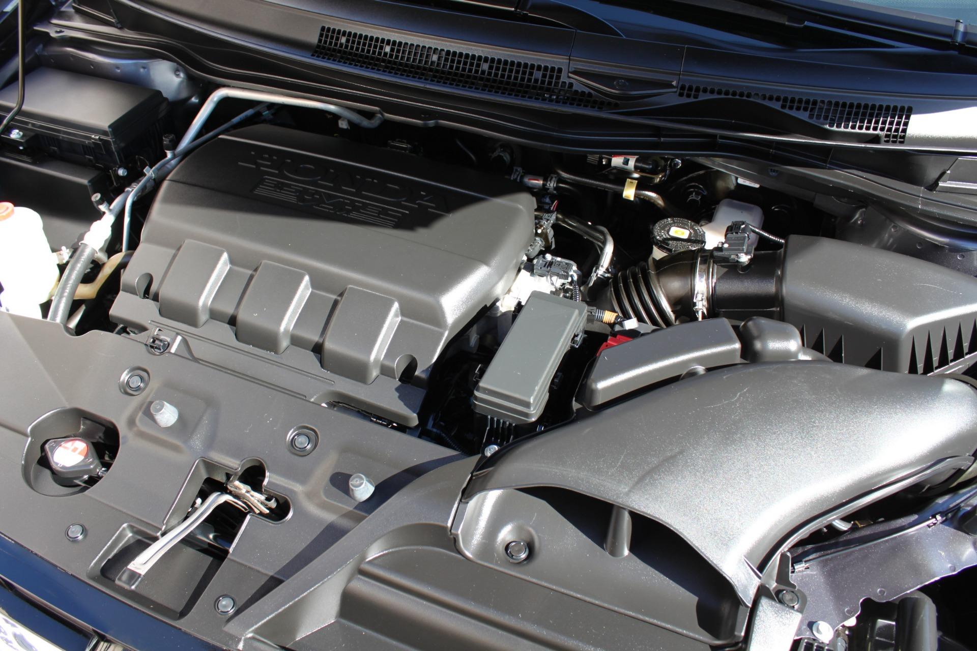 Used-2016-Honda-Odyssey-Touring-Elite-Land-Cruiser