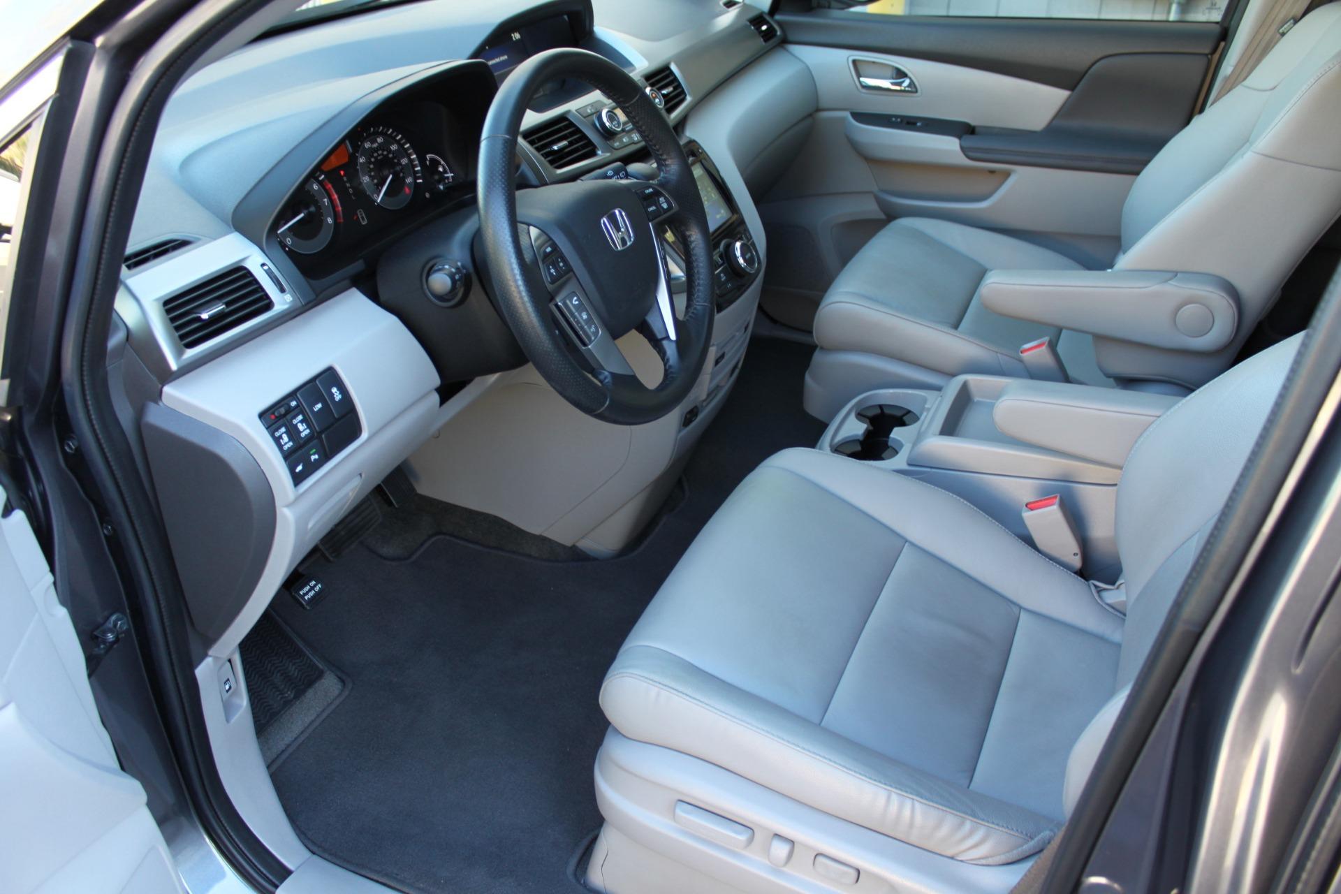 Used-2016-Honda-Odyssey-Touring-Elite-vintage