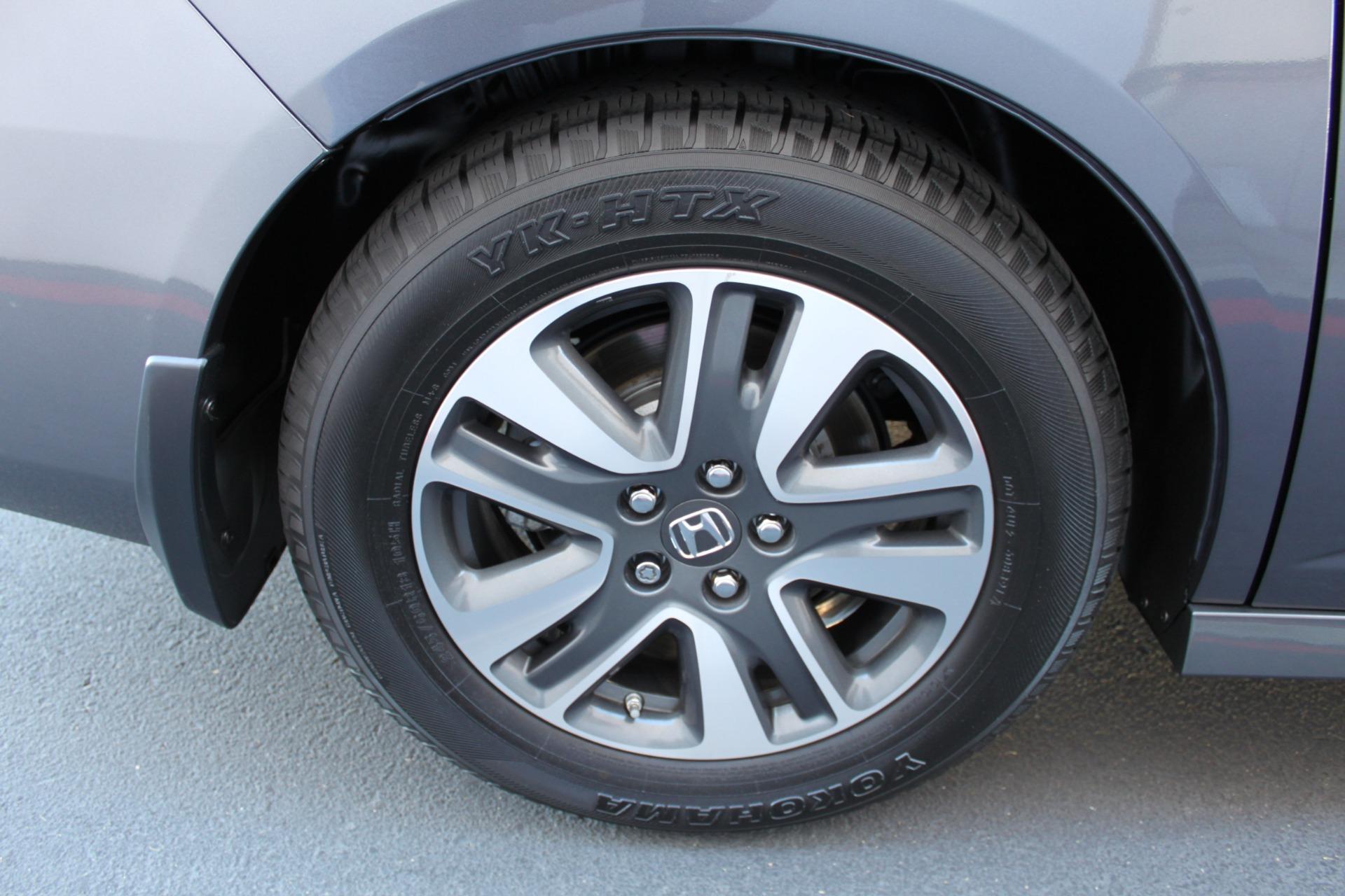 Used-2016-Honda-Odyssey-Touring-Elite-Lamborghini