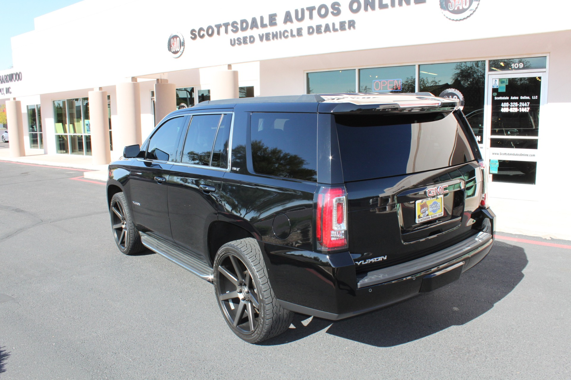 Used-2015-GMC-Yukon-SLT-Dodge