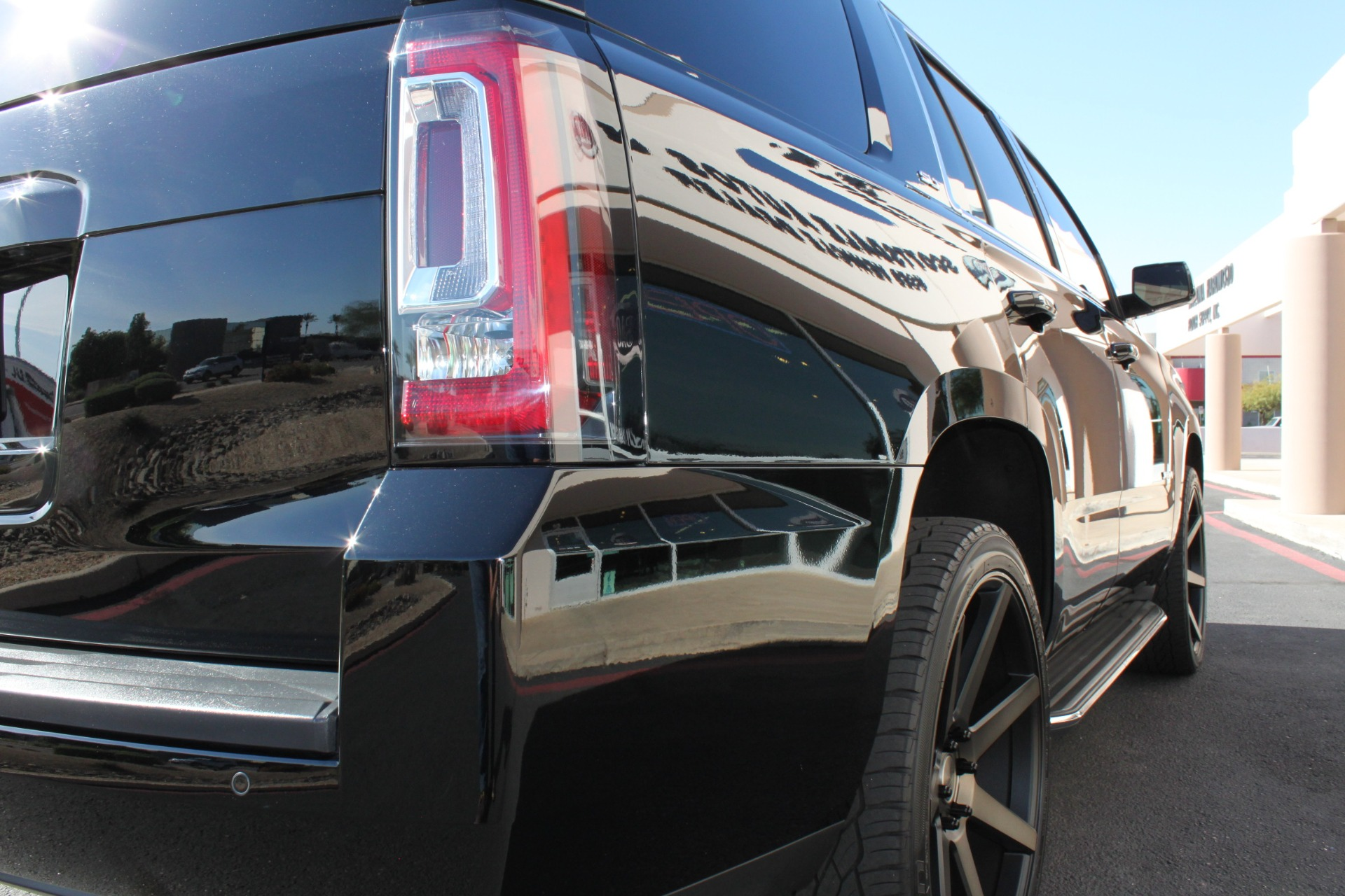 Used-2015-GMC-Yukon-SLT-Land-Cruiser