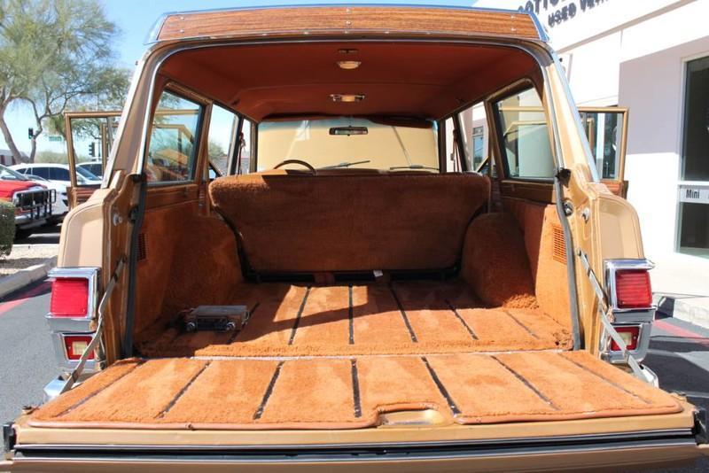 Used-1983-Jeep-Wagoneer-Limited-4WD-Mini
