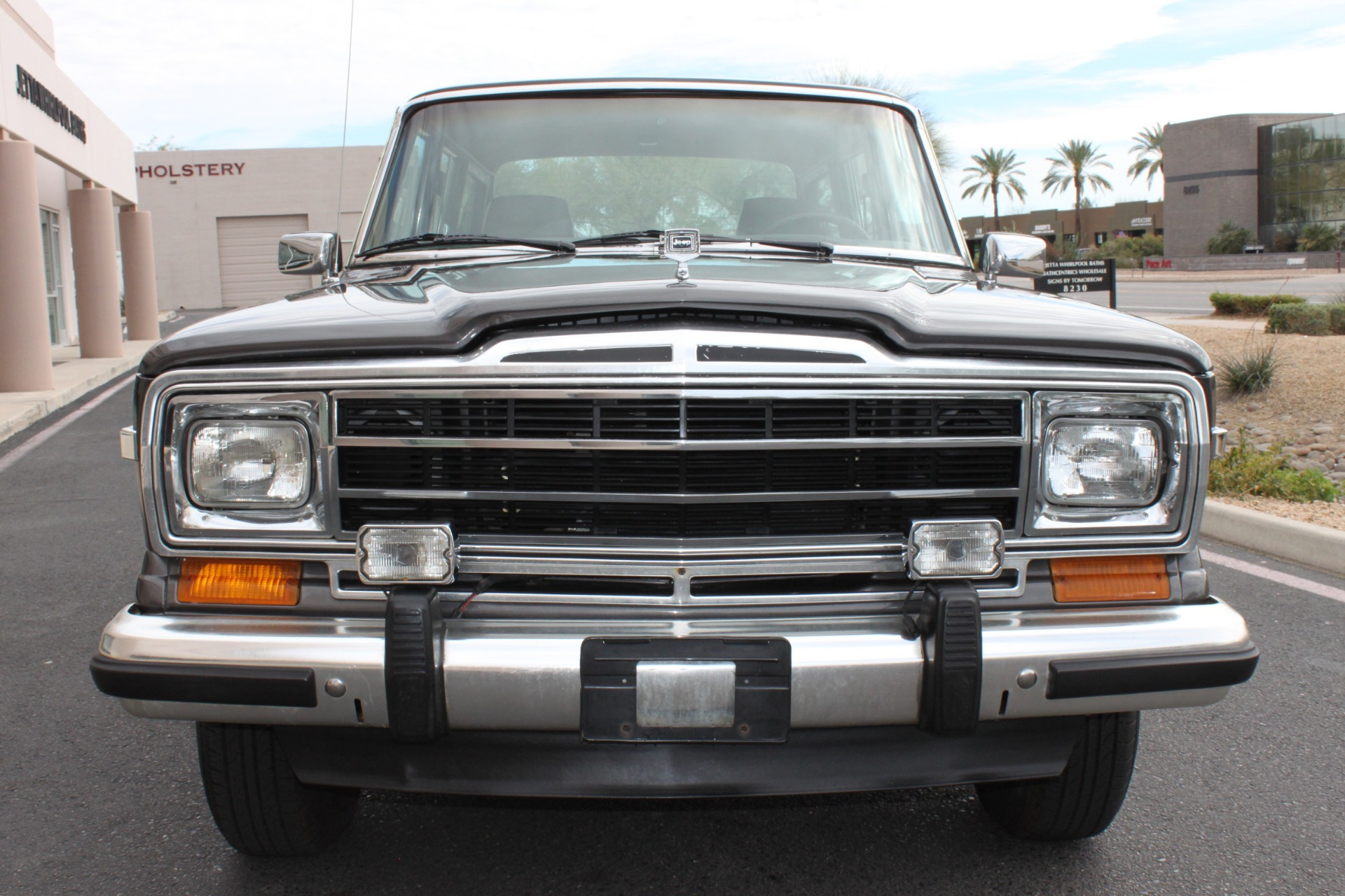 Used-1989-Jeep-Grand-Wagoneer-4X4-Wrangler