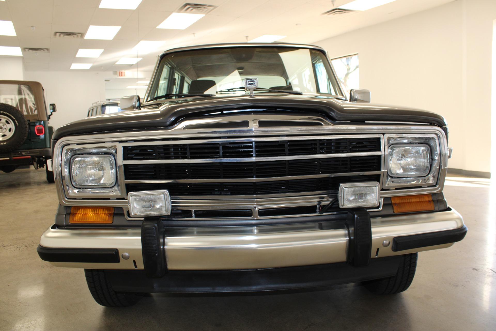 Used-1989-Jeep-Grand-Wagoneer-Wrangler