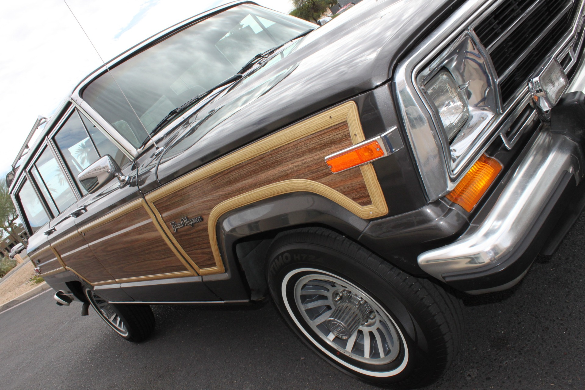 Used-1989-Jeep-Grand-Wagoneer-4X4-Grand-Cherokee