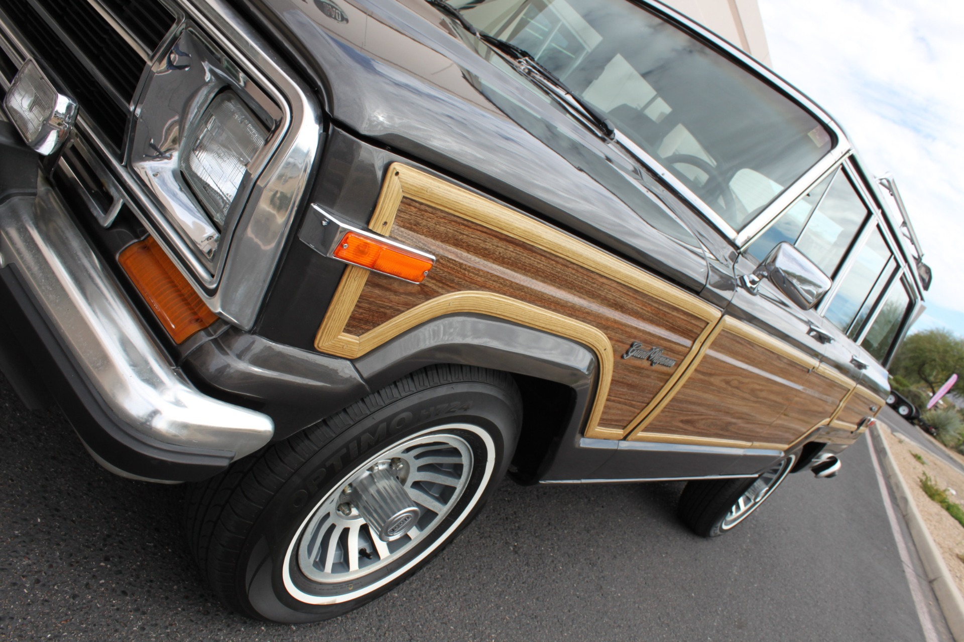 Used-1989-Jeep-Grand-Wagoneer-4X4-4X4